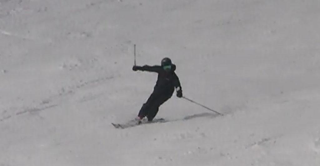 スキー 谷回り 荷重 ポジション